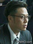 龚怀远(李昊臻饰演)