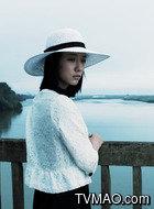 小安(王珞丹饰演)