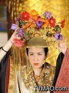 皇后(吴君如饰演)