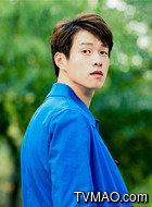 文聪(魏大勋饰演)
