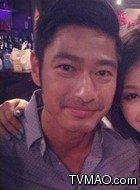 Sean Yi(王宗尧饰演)