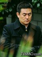 鲁明(李洪涛饰演)