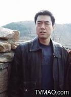 王明(董勇饰演)