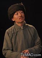 侯先树(杨曙铭饰演)