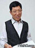 黄本强(韩童生饰演)